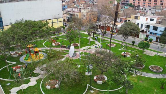 Estos parques cuentan con renovadas áreas verdes, tachos para segregación de residuos sólidos, juegos infantiles, minigimnasios y un remodelado espacio cívico. (Foto: MML)