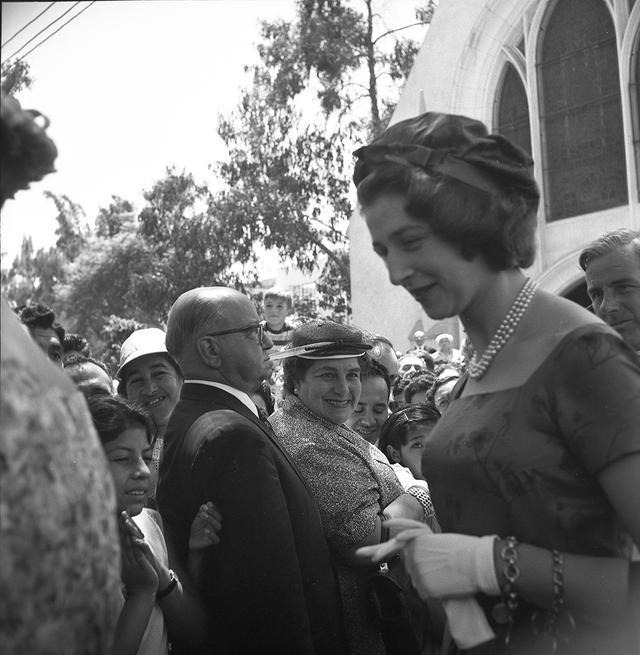 Sin duda, la princesa Alejandra, Alejandra de Kent, ha sido una de las visitantes de la Realeza Británica más estimadas y recordadas por su sensibilidad, carisma y sencillez. Algo que el pueblo peruano supo valorar en los pocos días que estuvo en el país en 1959. (Foto: GEC Archivo Histórico)