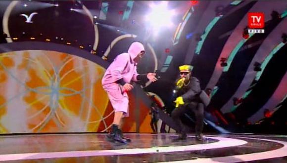 Bad Bunny y Arcángel presentaron sobre el escenario de Viña del Mar sus temas a dúo. (Foto: Captura)