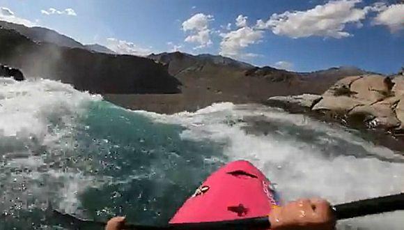 Dane Jackson bajó un poco más de 40 metros con su kayak. El impresionante registro audiovisual se volvió viral. (Foto: Captura)