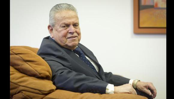 Felipe Osterling fue un lúcido político y reconocido abogado. Falleció esta tarde a los 82 años. (Foto: Archivo El Comercio)