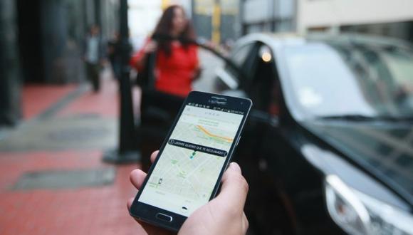 Uber y Beat son las dos marcas de taxi por aplicación que el consumidor tiene en el 'top of mind' (Foto: Diana Chávez)