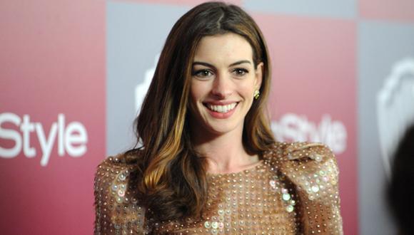 Anne Hathaway le negó saludo a periodista por miedo al ébola