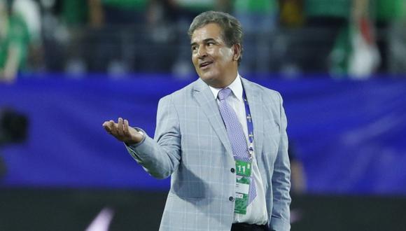 Roberto Ovelar es comparado con jugador francés por Jorge Luis Pinto. (Foto: EFE)