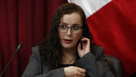 La presidenta de la Comisión de Constitución, Rosa Bartra (Fuerza Popular), cuestionó a Martín Vizcarra por rechazar los cambios a la bicameralidad. (Foto: USI)