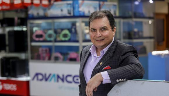 """""""Han pasado 30 años y hemos visto cómo algunas compañías que empezaron con nosotros ya no existen"""", comenta Óscar Zevallos. (Foto: El Comercio)"""