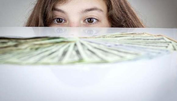 Solo el 22% de los adolescentes examinados en todo el mundo logró superar prueba de educación financiera. (Foto: Bloomberg)