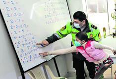Un operativo inusual: cuando la comisaría se convierte en salón de clases | CRÓNICA