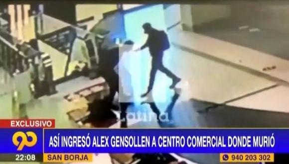 Los videos de seguridad registraron un comportamiento errático y extraño en el joven, quien ingresó al establecimiento corriendo. (Foto: captura de video)