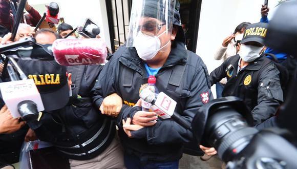 Richard Cisneros (conocido como Richard Swing) es detenido el último viernes por agentes de la policía luego de que el Poder Judicial dictara su detención preliminar por el caso que involucra sus contratos con el Ministerio de Cultura. (Foto: GEC).