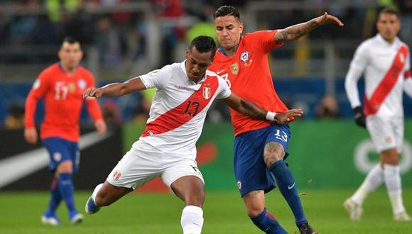 Perú y Chile chocarán por la tercera fecha de las Eliminatorias Qatar 2022. (Foto: AFP)