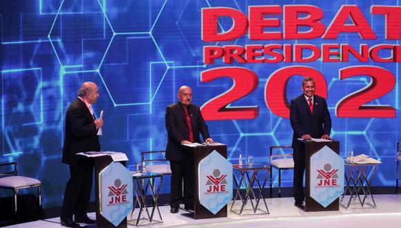 Hernando de Soto solo enfrentó a Ollanta Humala. El resto de candidatos, incluyendo a Daniel Urresti, se concentraron en sus porpuestas. (Foto EFE).