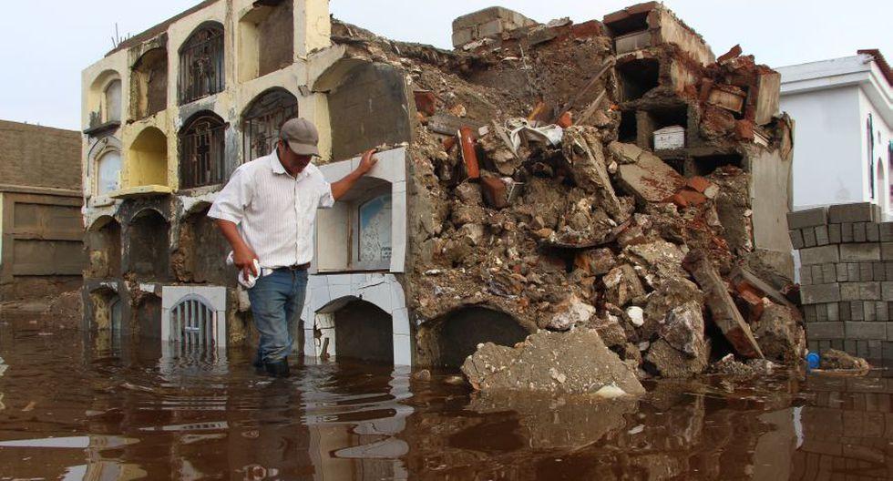 Cementerio de Túcume queda inundado por lluvias y se desploma - 7