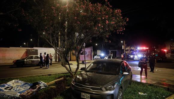 Accidente en La Molina dejó al menos cuatro personas heridas esta madrugada. (Foto: Joel Alonzo/@photo.gec)