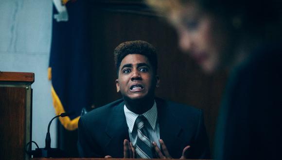 """El actor Jharrel Jerome en la escena de """"When They See Us"""" (miniserie que explora un caso real de abuso a personas afroamericanas) que le valió ganar el Emmy a Mejor actor principal en serie limitada. Foto: Netflix."""