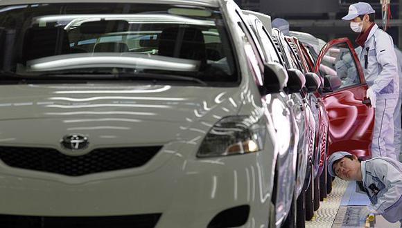 Toyota experimentó una reducción de sus utilidades el año pasado. (Foto: AP)
