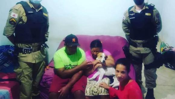 Fofinho volvió a casa tras 9 días en los que permaneció en la clínica veterinaria. La alegría de su dueña es indescriptible. | Foto: Valmintas Souza
