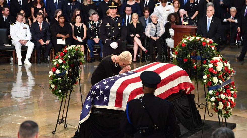 EE.UU. rinde homenaje a John McCain en Catedral Nacional en Washington (Foto: AFP)