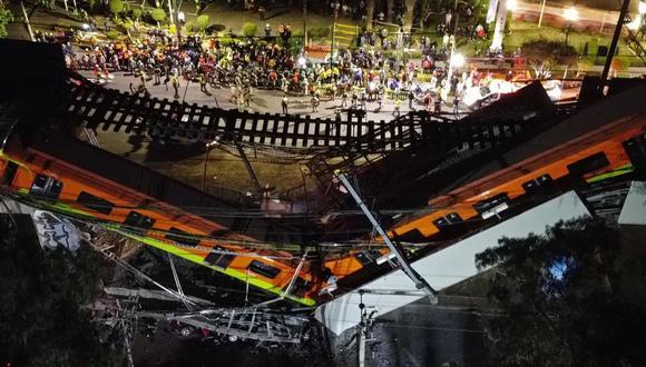 Vista aérea realizada con un dron que muestra el colapso de los vagones del metro en la Ciudad de México. (EFE/ Sáshenka Gutiérrez).