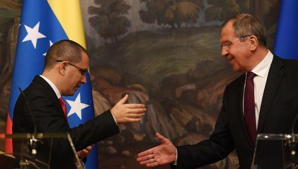 """El canciller de Rusia Serguei Lavrov llamó a Estados Unidos a """"abandonar sus planes irresponsables"""" en Venezuela. Recibió en Moscú a su par Jorge Arreaza. (AFP)."""