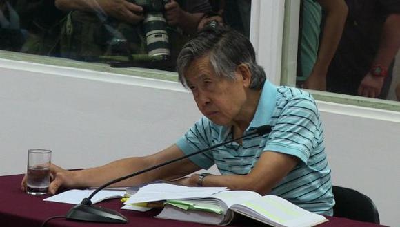 Fujimori escribió nombre de congresista Capuñay durante juicio