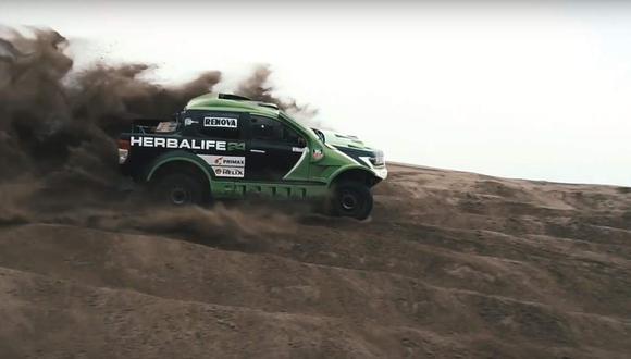 En esta ocasión, el peruano ha elegido una Ford Ranger que ha modificado para las duras arenas del desierto de Ica, donde se desarrollará la prueba del 14 al 16 de setiembre. (Youtube)