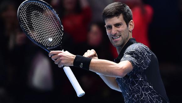 Djokovic venció en dos sets a John Isner y avanzó en el Torneo de Maestros 2018. (Foto: AFP)
