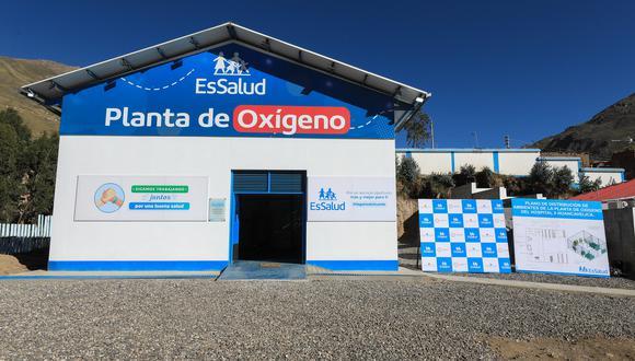 A la fecha, ya suman más de 73 plantas generadoras de oxígeno medicinal, implementadas por el Seguro Social en Lima y provincias. (Foto: Essalud)