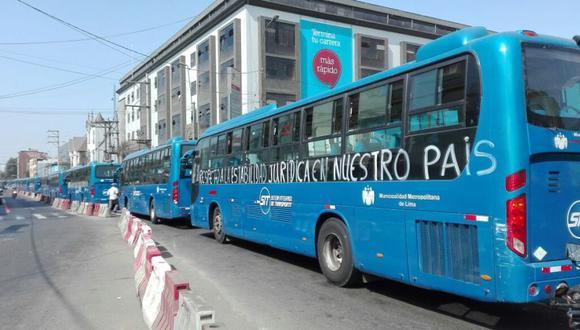 Corredor TGA: buses azules circularon en caravana como protesta - 8