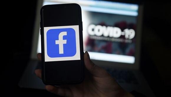 Facebook se ha llenado de información relacionada a la pandemia de COVID-19. (Olivier DOULIERY / AFP)