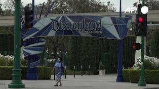Disneyland abre enorme centro de vacunación contra la COVID-19