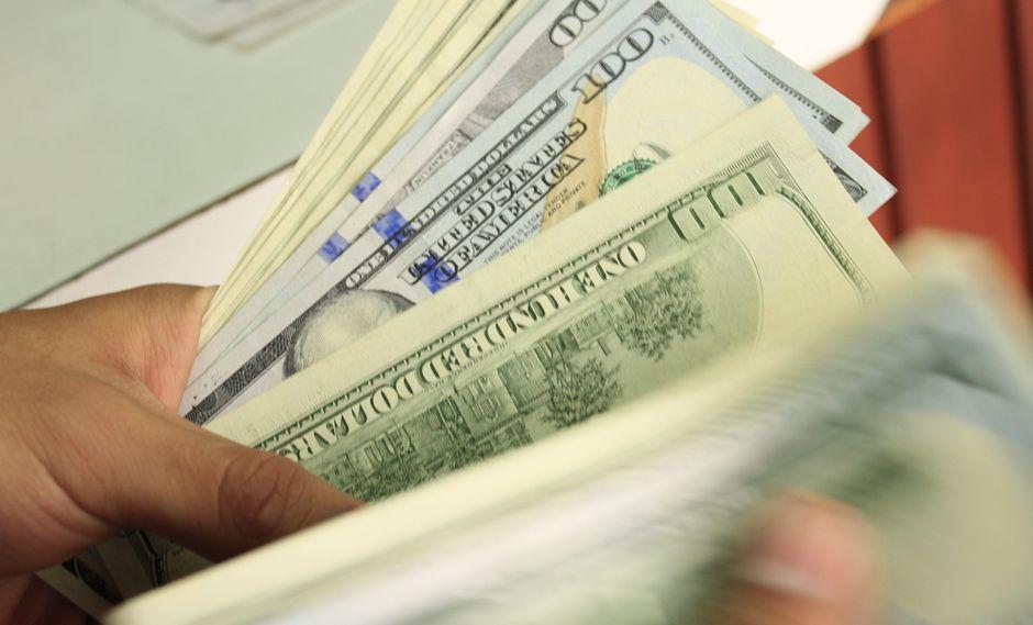 El Banco Central de Argentina busca estabilizar el mercado cambiario. (Foto: USI)