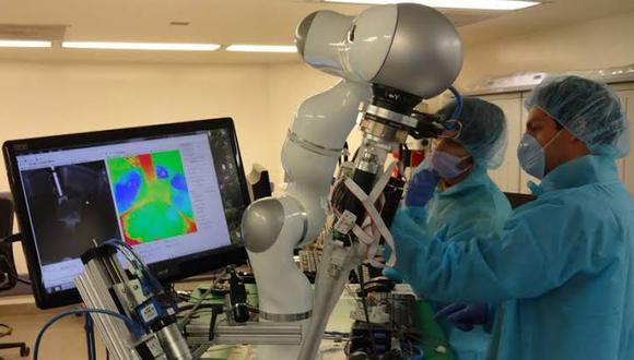 La precisión y seguridad del procedimiento serán garantizados gracias al robot (Foto: Xinhua)