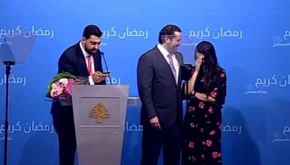 El ministro libanés mostró su lado más romántico al ser cómplice de esta proposición de matrimonio. (Foto: captura de YouTube)