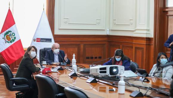 El jefe de Gabinete Ministerial, Pedro Cateriano, tiene previsto convocar en los próximos días a los gremios empresariales y a los sindicatos. (Foto: PCM)