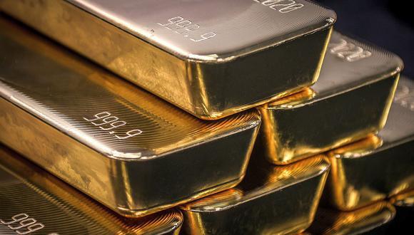El oro caía en momentos en que los inversionistas dudan sobre nuevas medidas de estímulo de la Fed. (Foto: AFP)