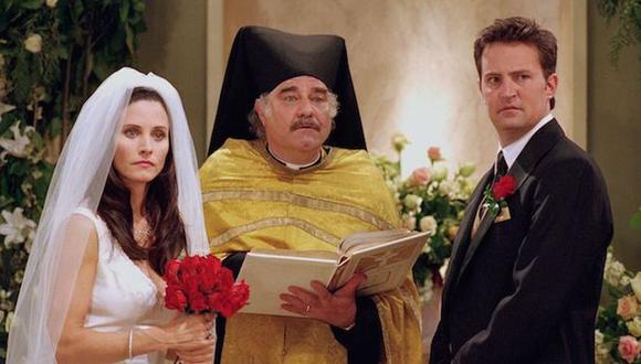 Courteney Cox es Monica y Matthew Perry es Chandler es 'Friends' (Foto: NBC)