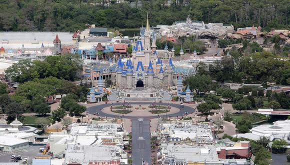 Disney World Orlando es el más visitado de los seis parques que tiene The Walt Disney Company en tres continentes. En total, recibía casi 59 millones de personas al año. Hoy, luce vacío.  / Foto: GettyImages.