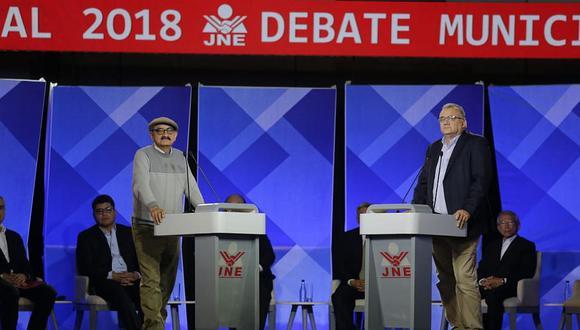 Gustavo Guerra García y Enrique Fernández polemizaron durante el segundo debate del JNE. (Foto:Alonso Chero/ El Comercio)