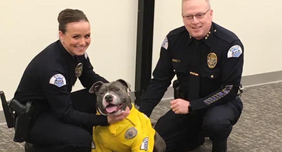 Los efectivos policiales de Pasco se mostraron muy orgullosos por haber compartido una jornada de trabajo junto a Eddie | Facebook: Departamento de Policía de Pasco