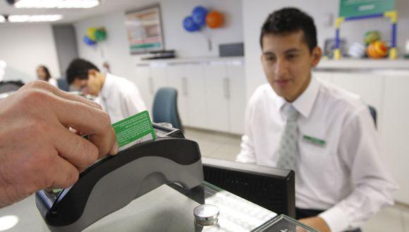 Un ejecutivo manifestó que, en una encuesta, el 34% de las personas señaló que no tenía una cuenta ante la insuficiencia de fondos. (Foto: GEC)
