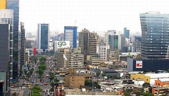 """La semana pasada, se publicó el primer documento llamado """"Doing Business"""" que mide la capacidad objetiva de hacer negocios en 190 países, en el cual Perú retrocedió por cuarto año consecutivo para ubicarse en la posición 58. (Foto: Archivo El Comercio)"""
