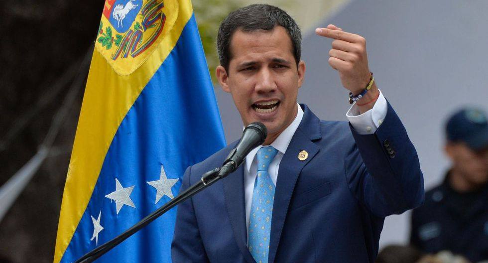 Guaidó reiteró también su llamado a las fuerzas armadas a unirse a la transición. (Foto: AFP)