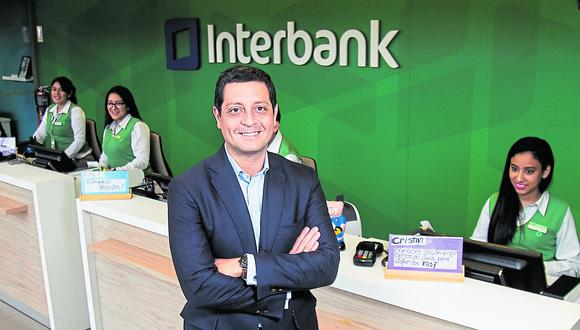 Luis Felipe Castellanos destaca a Día1 que más del 90% de las operaciones de Interbank puede hacerse a través de sus canales digitales, mientras que el 94% de sus servicios está disponible en la plataforma online.