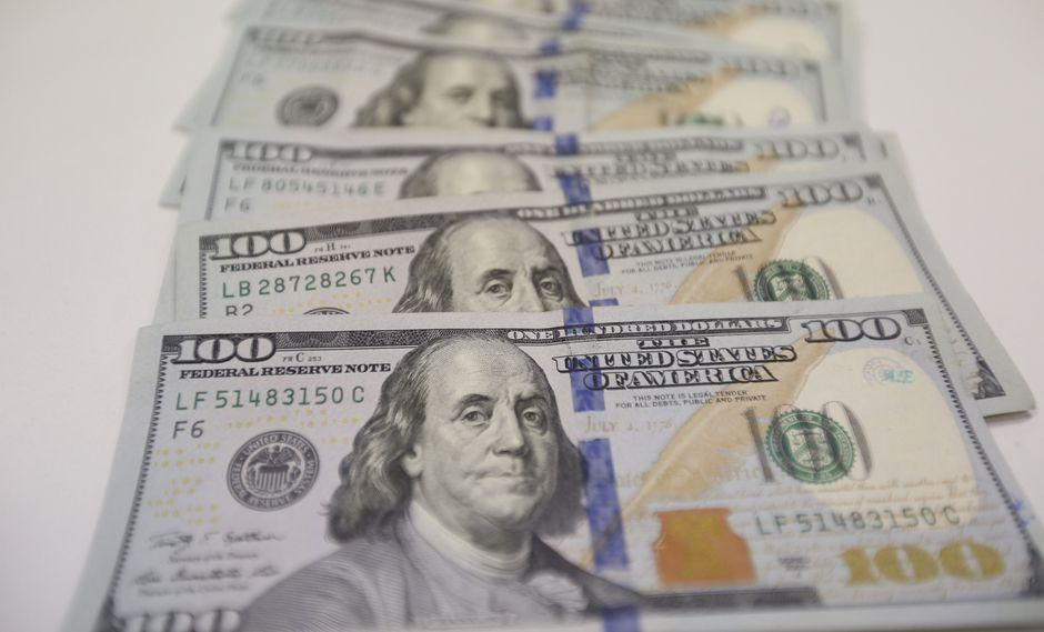 El dólar opera a la baja en Argentina. (Foto: USI)