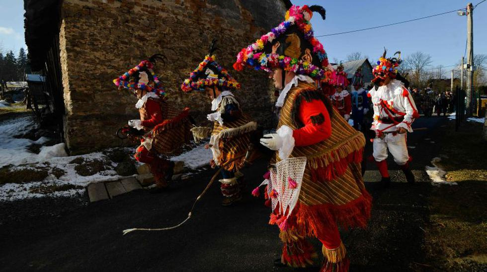 Música, máscaras y tradiciones centenarias en el carnaval checo - 8