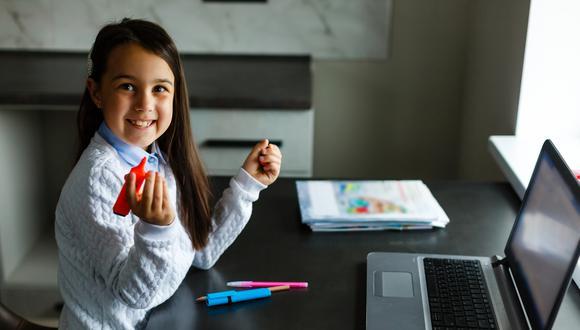 Generación Tec es una empresa peruana dedicada a promover la educación tecnológica no solo entre los más chicos, sino también entre los docentes. En este episodio, Bruno Ortiz conversa con sus representantes. (Foto referencial: Shutterstock)