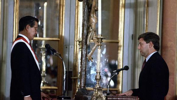 Una imagen del expresidente de la República Alberto Fujimori, hoy en prisión, durante la juramentación de Carlos Boloña Behr como ministro de Economía; el 15 de febrero de 1991. (Foto: Archivo El Comercio)