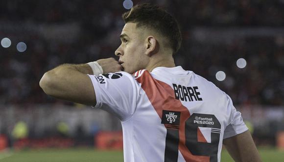 River Plate es líder del torneo pero espera una derrota de Boca Juniors para consolidarse en el primer lugar. | Foto: AFP