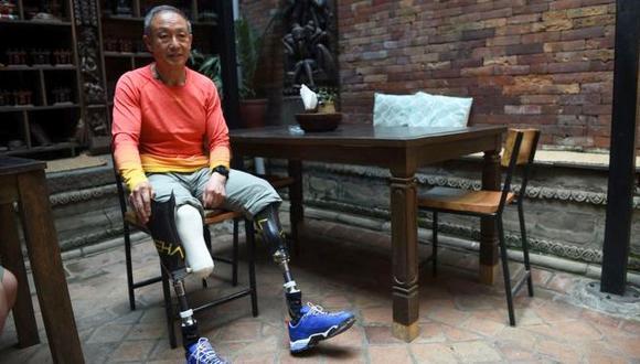 En 1975, Xia Boyu perdió los pies a causa de una expedición al Everest. (AFP)